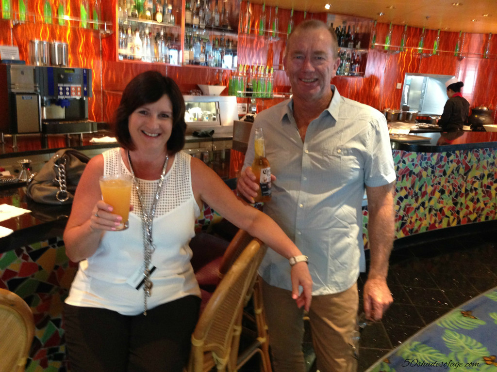 Pre-dinner drinks on the Cruise Ship