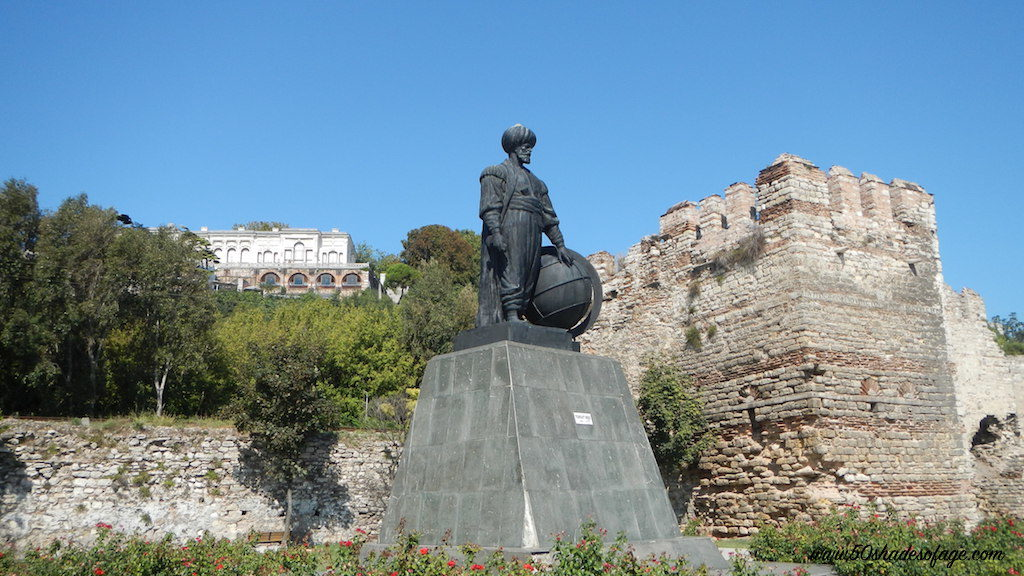 Ottoman Statue and Topkapi Palace in Istanbul
